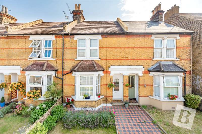 2 Bedrooms Terraced House for sale in Singlewell Road, Gravesend, Kent, DA11