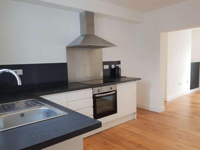 3 Bedrooms Terraced House for sale in Penchwintan Road, Bangor, Gwynedd, LL57