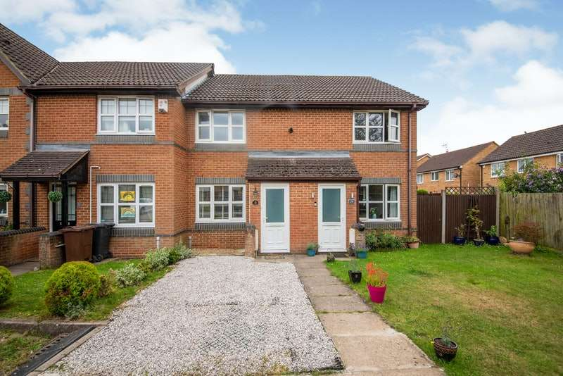 2 Bedrooms Terraced House for sale in Perham Way, St. Albans, Hertfordshire, AL2