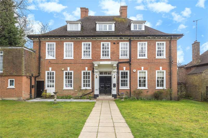 3 Bedrooms Apartment Flat for sale in Frithwood Avenue, Northwood, Middlesex, HA6
