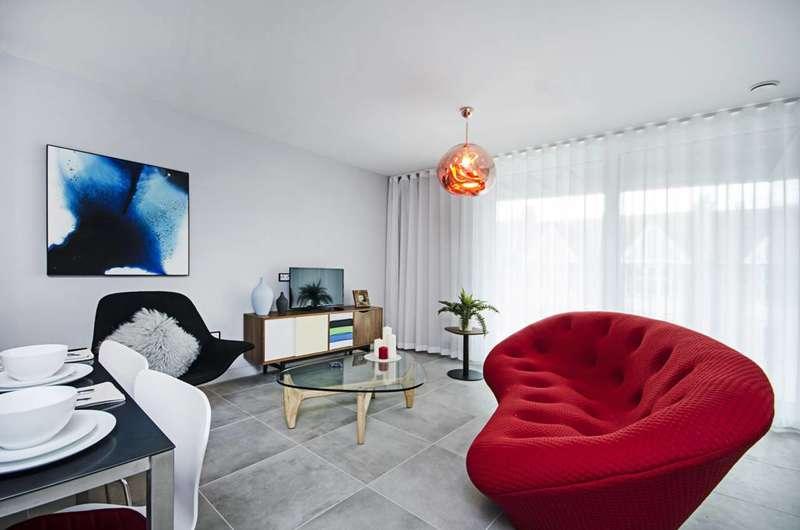 2 Bedrooms Flat for sale in The Bronze Apartments, Harrow, HA1