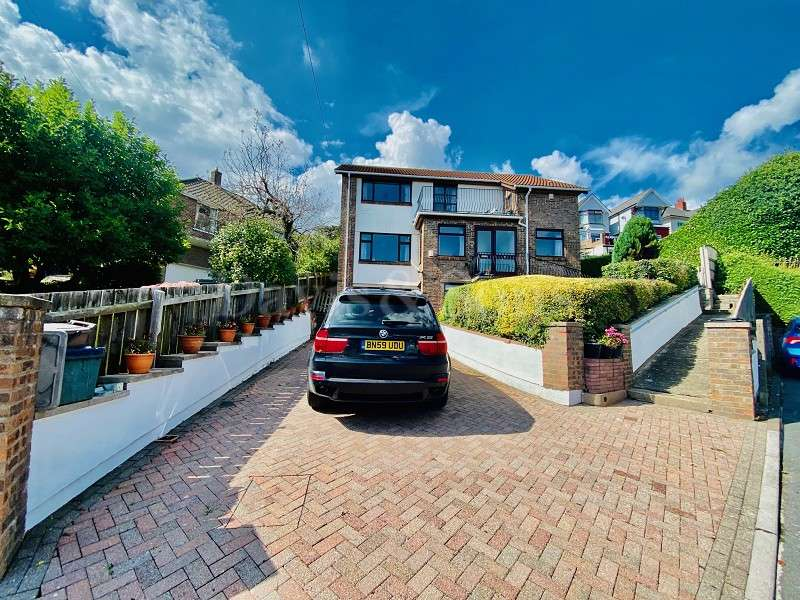 4 Bedrooms Detached House for sale in Swinburne Close, Newport. NP19 8HS