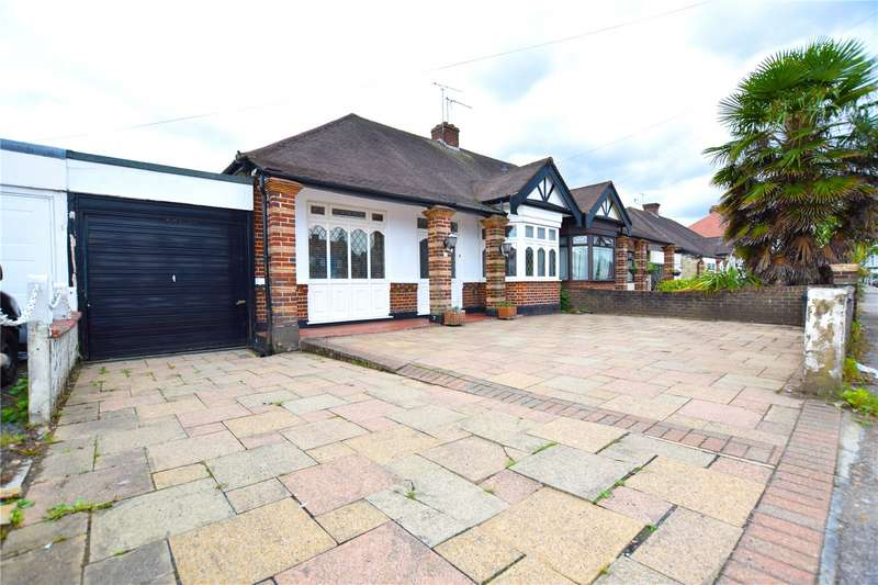 2 Bedrooms Bungalow for sale in Eastern Avenue East, Romford, RM1