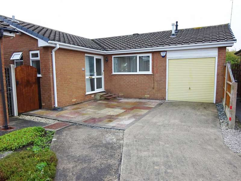 3 Bedrooms Detached Bungalow for sale in Southfold Place, Lytham