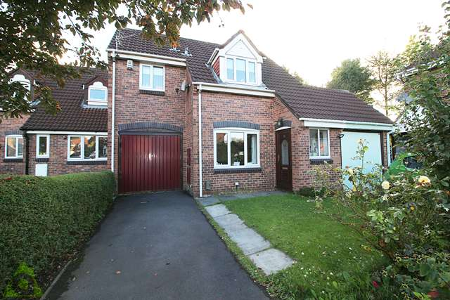 3 Bedrooms Link Detached House for sale in Greensmith Way, Westhoughton, BL5 3BR