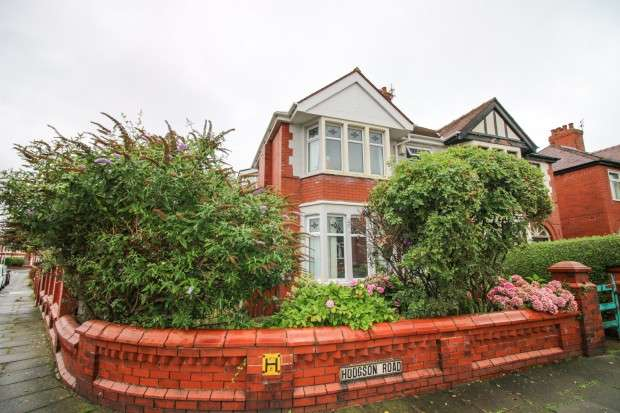 4 Bedrooms Semi Detached House for sale in Hodgson Road, Blackpool, FY1