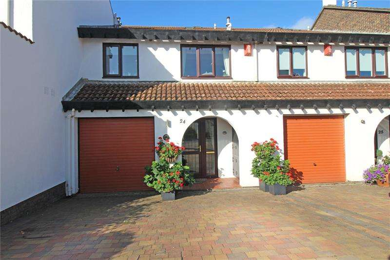 3 Bedrooms Terraced House for sale in Shinglebank Drive, Milford on Sea, Lymington, Hampshire, SO41