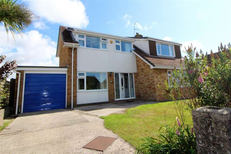 5 Bedrooms Detached House for sale in Priory Close, Caldicot