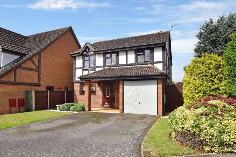 4 Bedrooms Property for sale in Rose Walk, Toddington