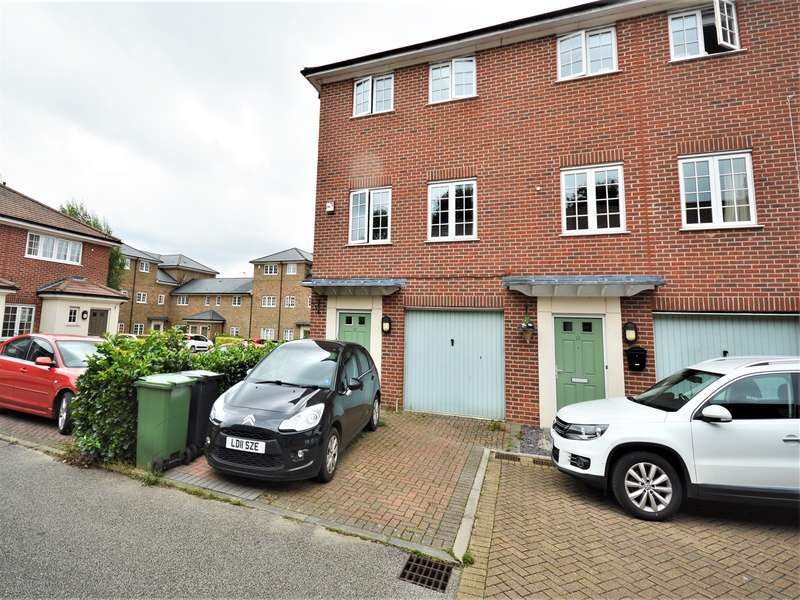 3 Bedrooms Town House for sale in Lamberts Orchard, Braintree, CM7