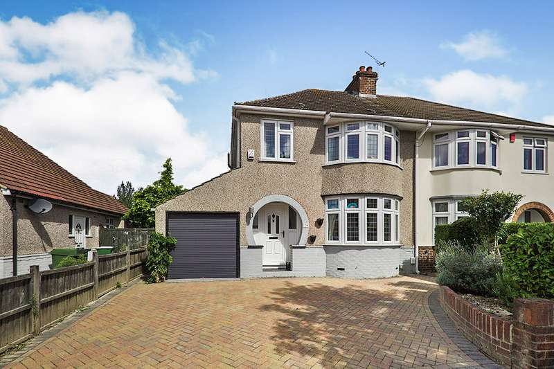 3 Bedrooms Semi Detached House for sale in Rydal Drive, Bexleyheath, DA7