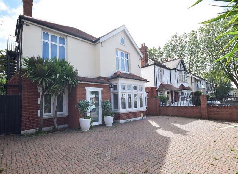 6 Bedrooms Detached House for sale in London Road, Twickenham