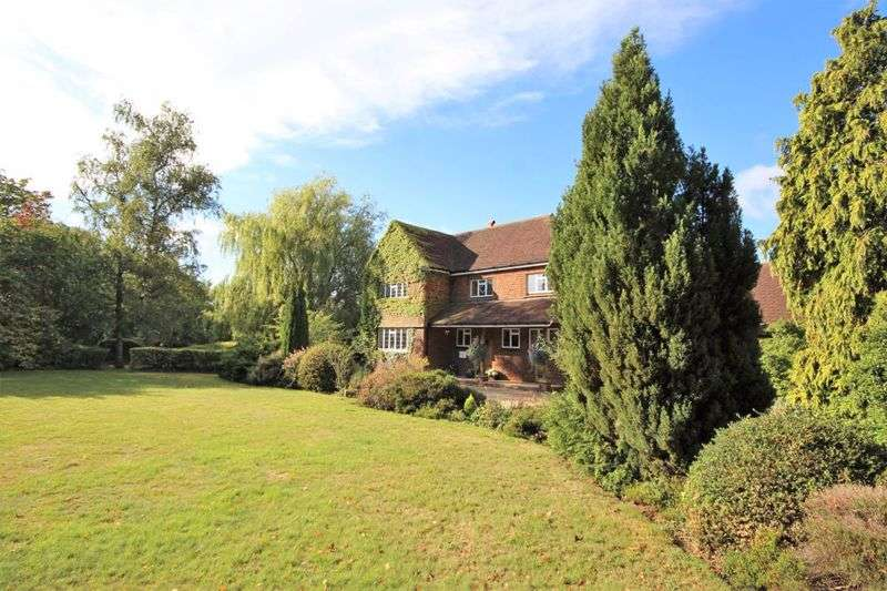 6 Bedrooms Property for sale in Blackmore Road, Fryerning, Ingatestone