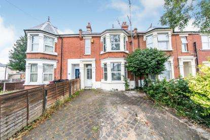 4 Bedrooms Terraced House for sale in Clacton On Sea, Essex