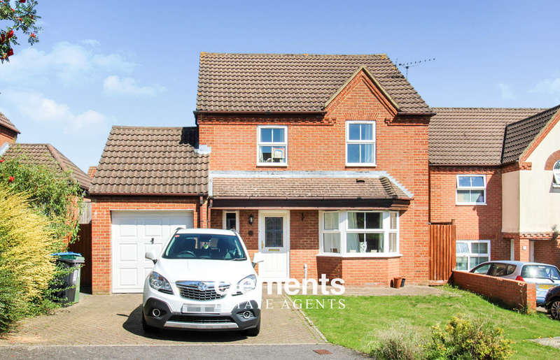 3 Bedrooms Detached House for sale in Fields End, Hemel Hempstead