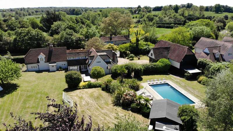 5 Bedrooms Detached House for sale in Dormers, Braintree Road, DUNMOW