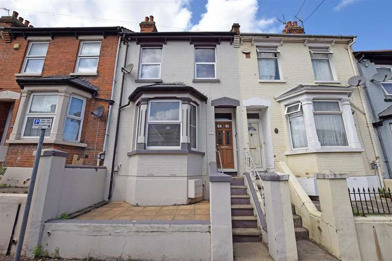 3 Bedrooms Terraced House for sale in Pagitt Street, Chatham