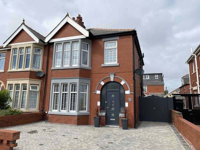 4 Bedrooms Semi Detached House for sale in St. Martins Road, Blackpool, FY4