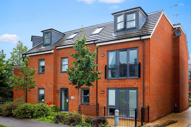 2 Bedrooms Apartment Flat for sale in Goodes Court, Royston, SG8