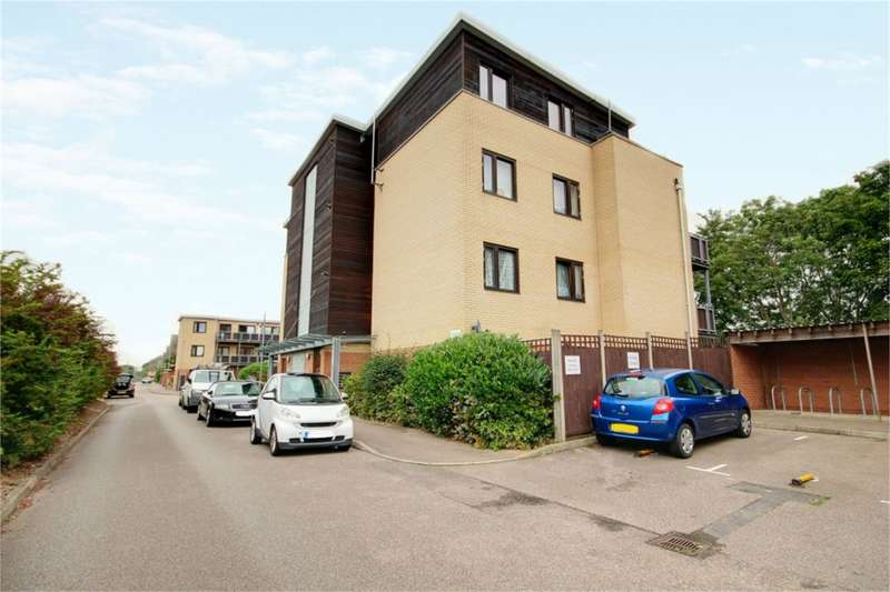 2 Bedrooms Apartment Flat for sale in Dunlin Court, Teal Close, Enfield, EN3