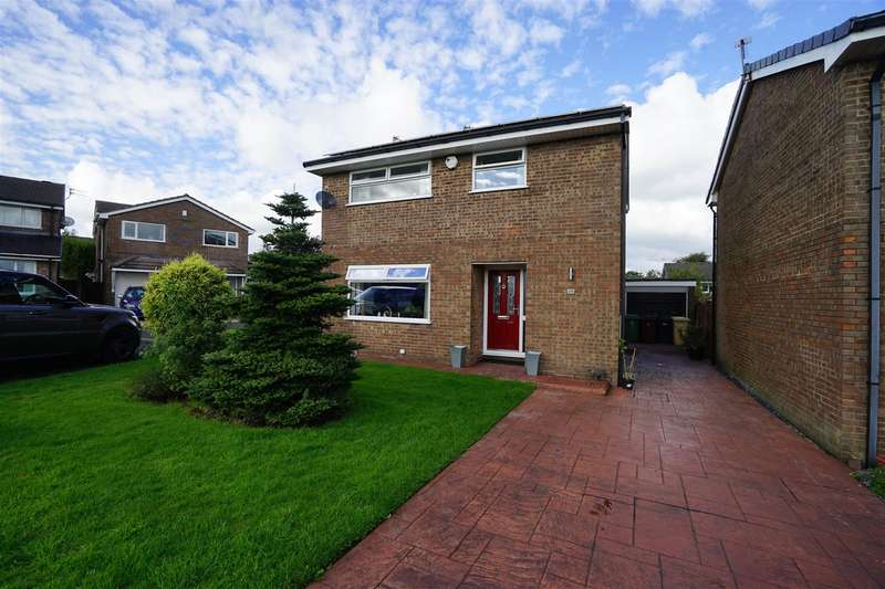 4 Bedrooms Detached House for sale in Thursford Grove, Blackrod, Bolton