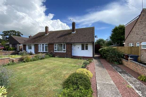 2 Bedrooms Bungalow for sale in Westfield Close, Polegate, BN26