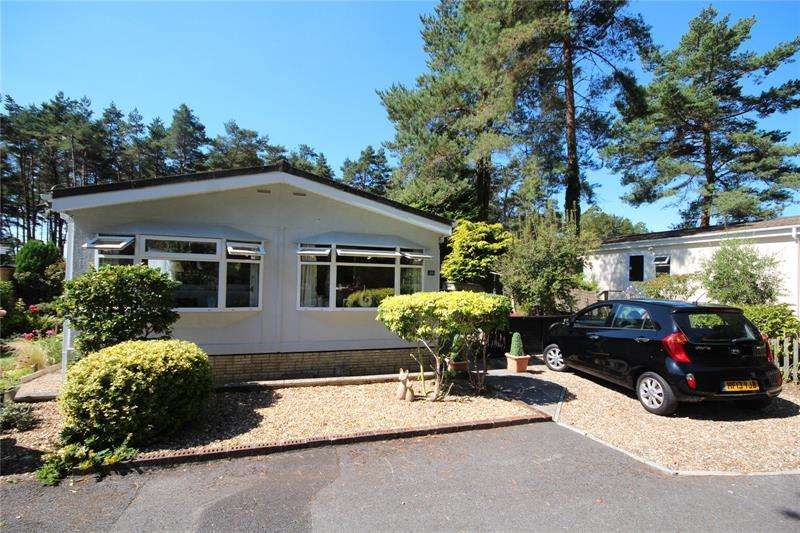 2 Bedrooms Park Home Mobile Home for sale in Sunnyside Park, 17 Ringwood Road, St. Ives, Ringwood, BH24