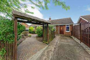 4 Bedrooms Bungalow for sale in Market Way, Canterbury, Kent