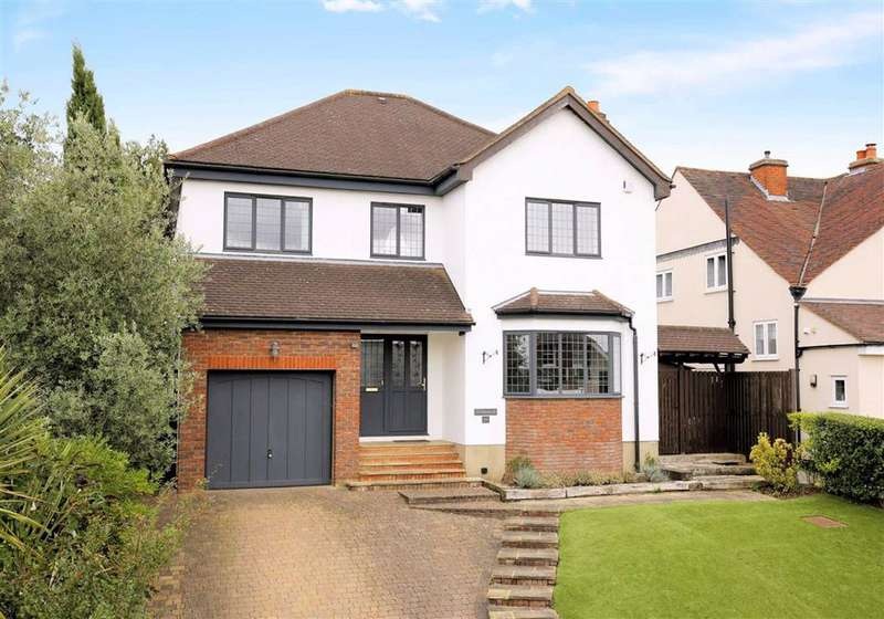 5 Bedrooms Detached House for sale in Blackacre Road, Theydon Bois, Essex