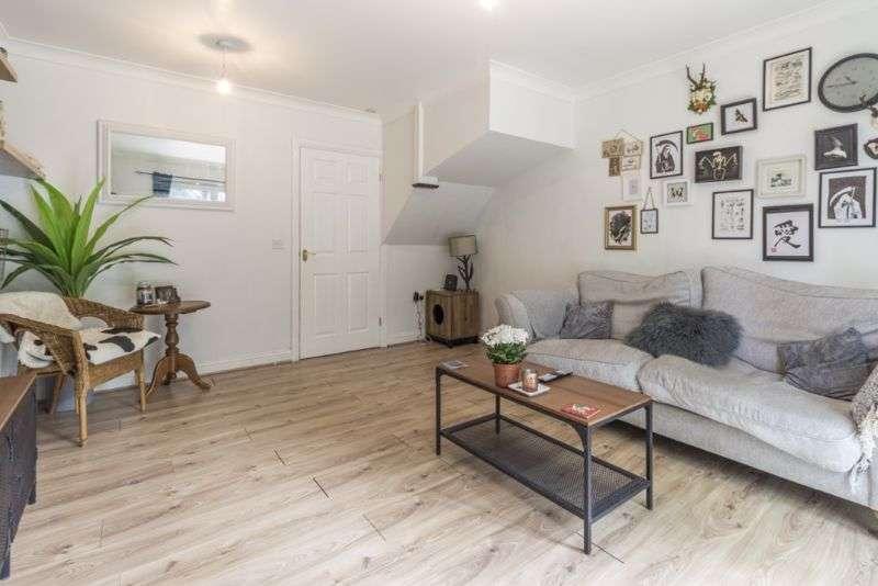 2 Bedrooms Property for sale in Crocus Close Rogerstone, Newport