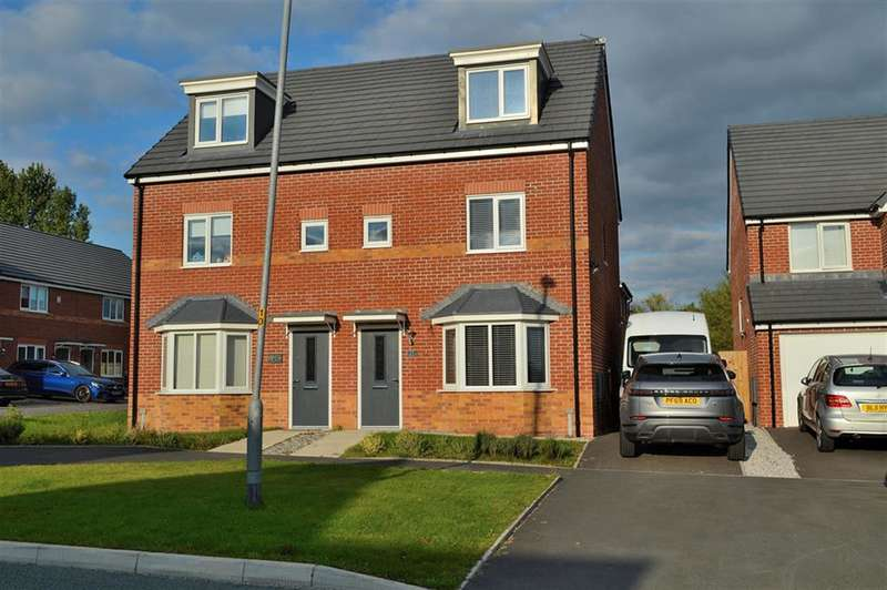 3 Bedrooms Semi Detached House for sale in Whitebank Road, Oldham, OL8 3JJ