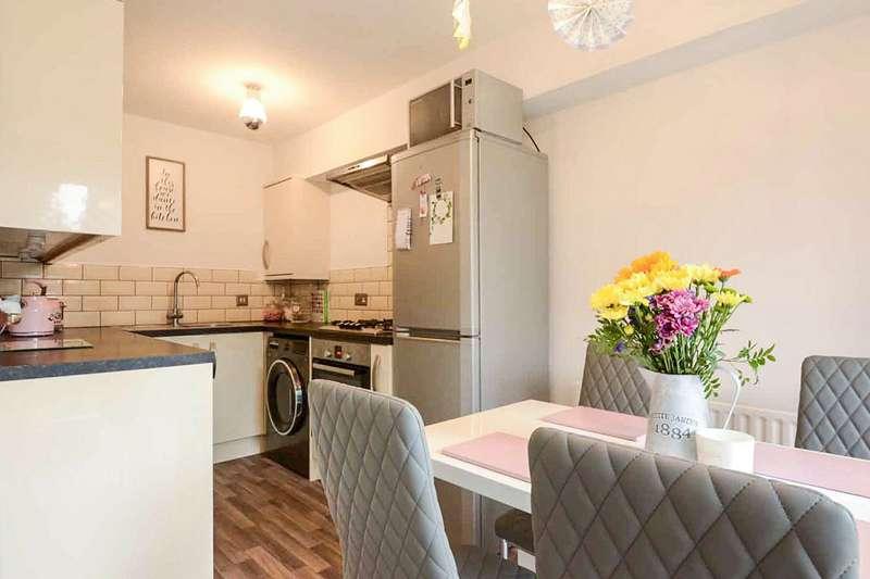 1 Bedroom Apartment Flat for sale in Honours Mead, Howard Agne Close, Bovingdon, Hemel Hempstead, HP3