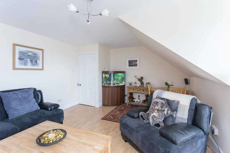 2 Bedrooms Flat for sale in West Port, Arbroath, DD11 1RF