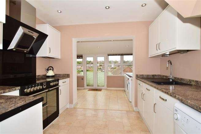 3 Bedrooms House for sale in Pickwick Crescent, Rochester, Kent, ME1