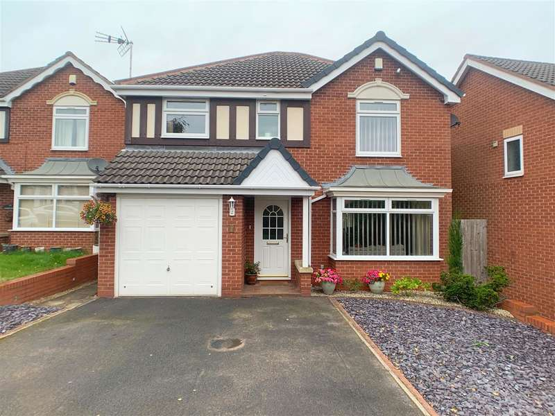 4 Bedrooms Detached House for sale in Hayle Close, Saxonfields, Stafford