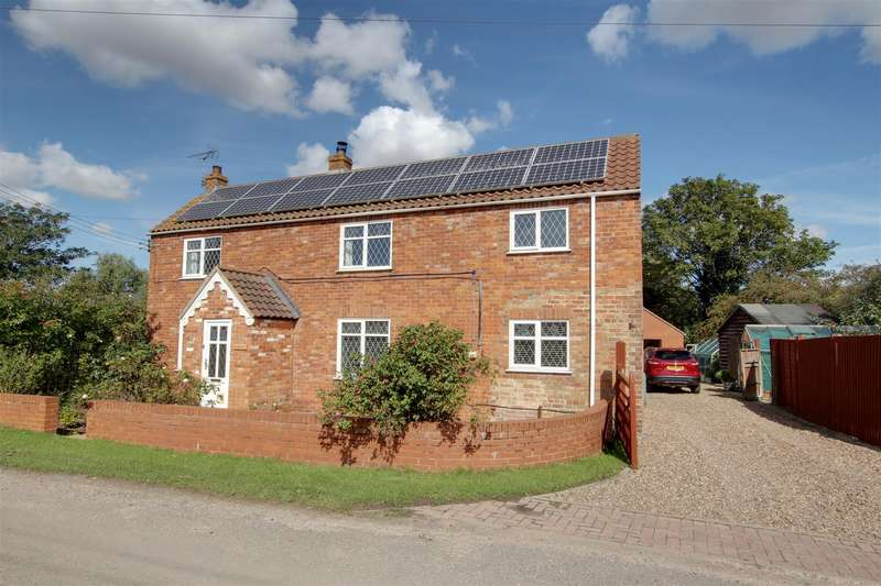 3 Bedrooms Detached House for sale in Main Street, Gayton Le Marsh, Alford