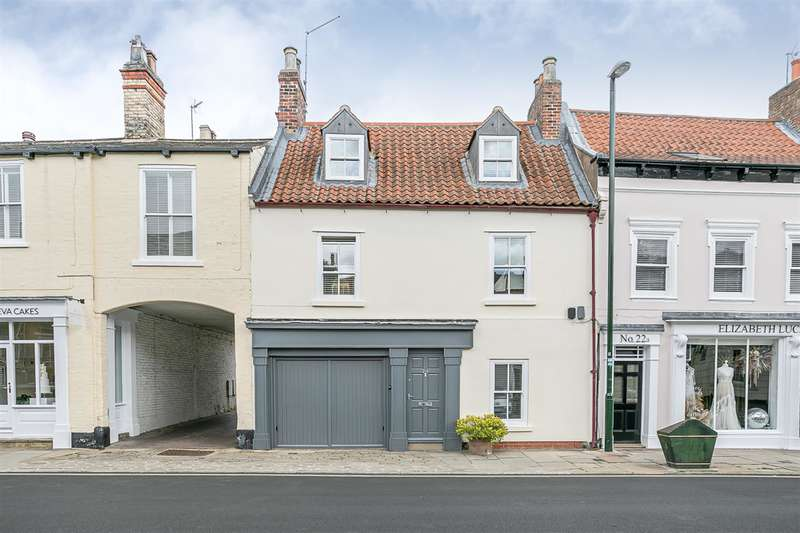 4 Bedrooms End Of Terrace House for sale in North Bar Without, Beverley, East Yorkshire, HU17 7AG