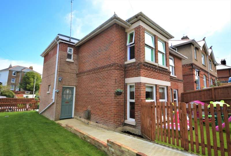 4 Bedrooms Detached House for sale in Brook Road, Shanklin