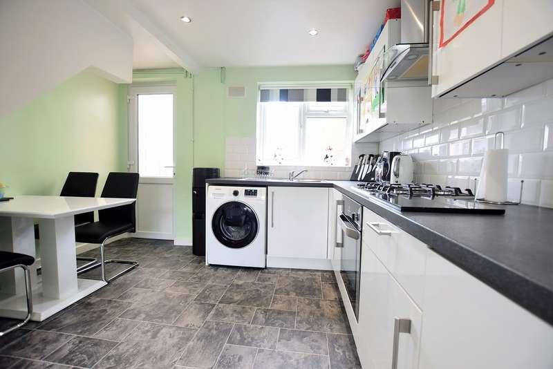 2 Bedrooms Terraced House for sale in Hawkshead Terrace, Blackpool