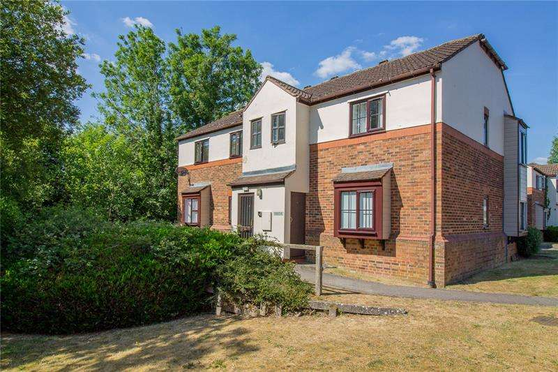 2 Bedrooms Apartment Flat for sale in Bridge Meadows, Liss, Hampshire, GU33