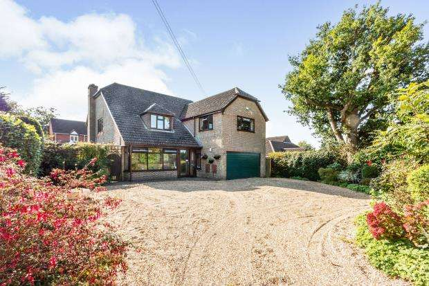 5 Bedrooms Detached House for sale in Four Marks, Alton, Hants