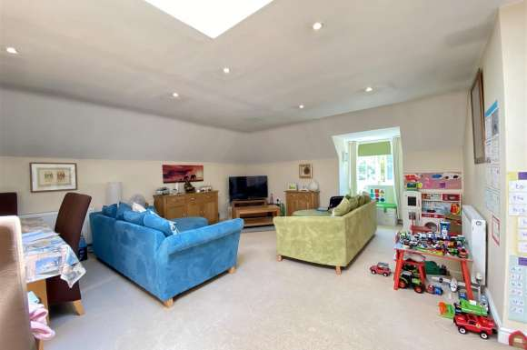 2 Bedrooms Property for sale in Heath End Road, Baughurst, Tadley