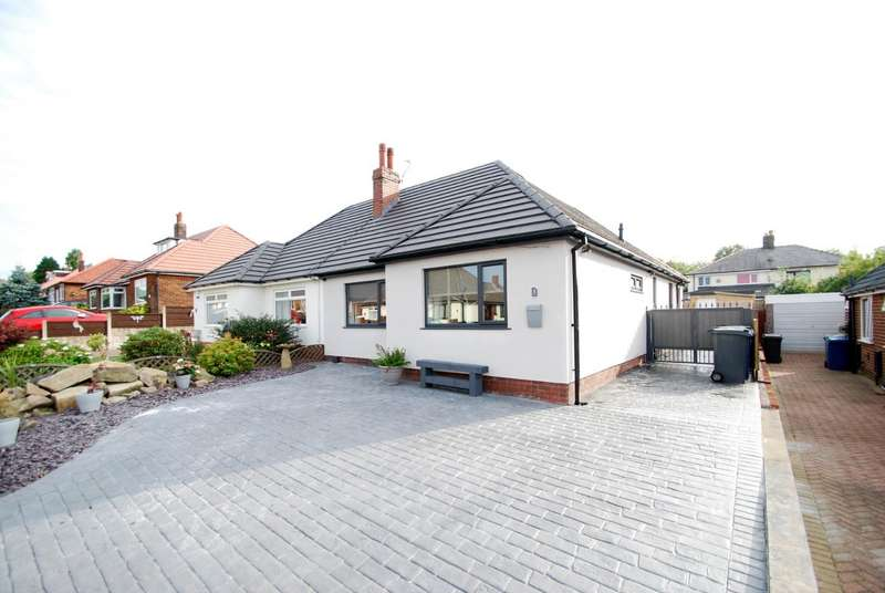 2 Bedrooms Semi Detached Bungalow for sale in Leamington Avenue, Bury