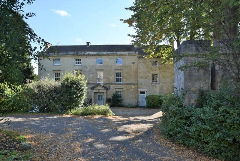 2 Bedrooms Apartment Flat for sale in Castle Street, Stroud, GL5