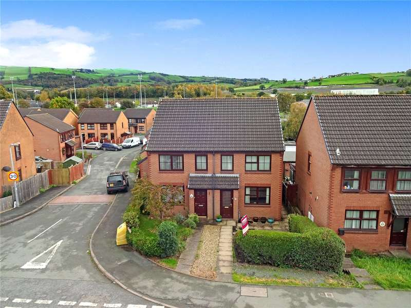 3 Bedrooms Semi Detached House for rent in 3 Dolfach, Newtown, Powys, SY16 1LL