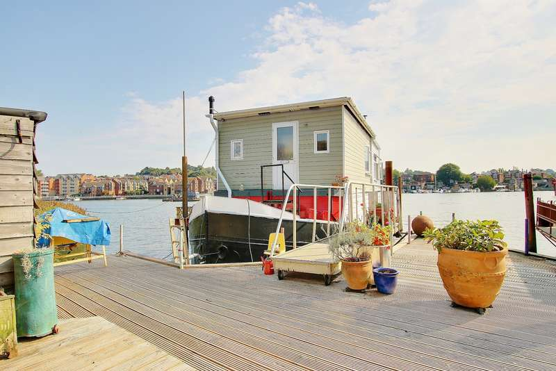2 Bedrooms House Boat Character Property for sale in HOUSEBOAT! AMAZING VIEWS! STUNNING INTERIOR!