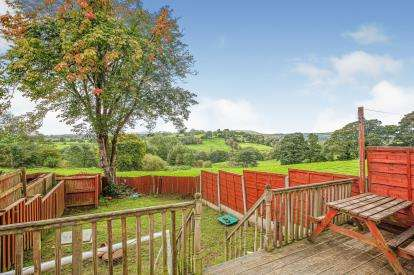 3 Bedrooms Semi Detached House for sale in Gisburn Road, Barrowford, Nelson, Lancashire, BB9