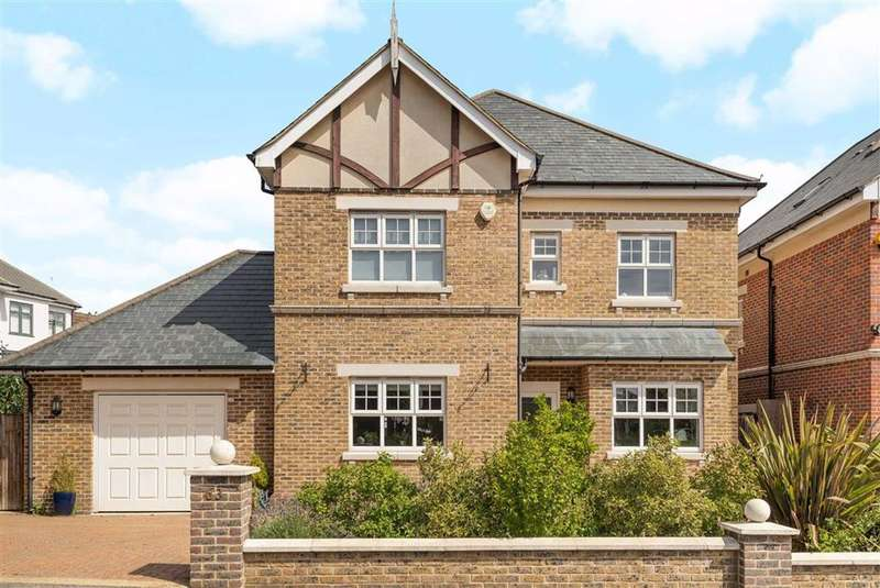 5 Bedrooms Detached House for sale in Gloucester Road, Barnet, Herts