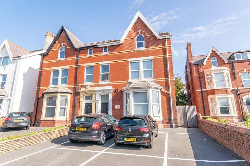 Commercial Property for rent in Park Road, Lytham St Annes, FY8
