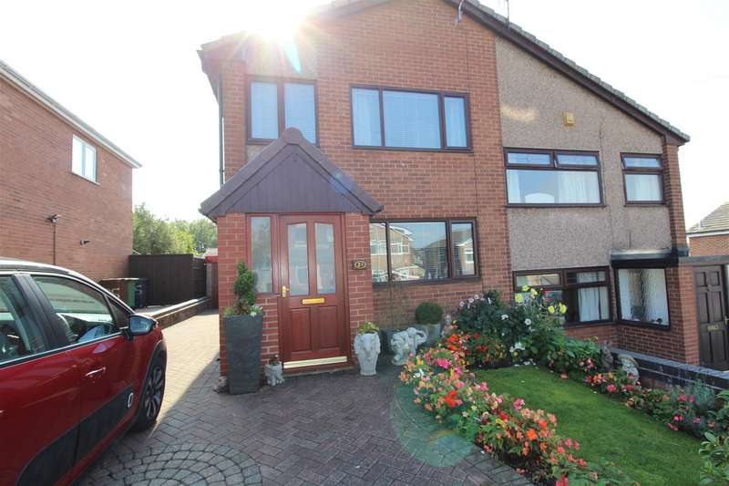 3 Bedrooms Semi Detached House for sale in Waterbeck Close, Whelley, Wigan.